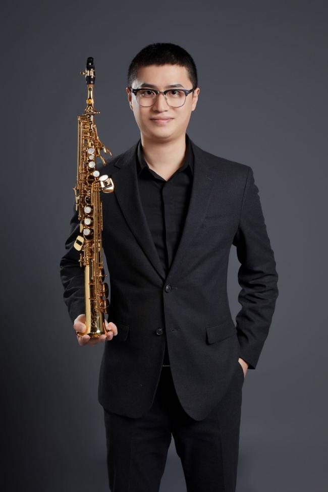 音乐学院教师——李佳琛