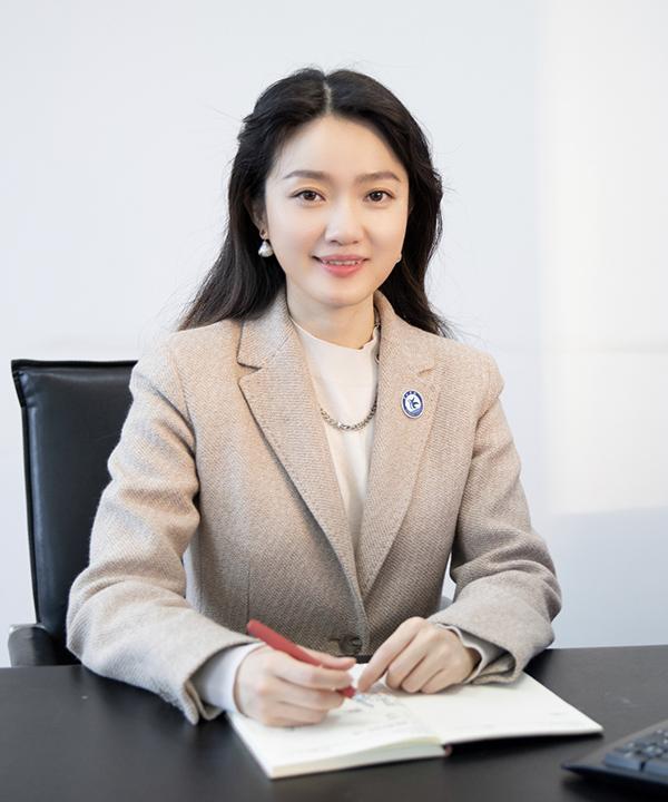 董事、副校长王鹤